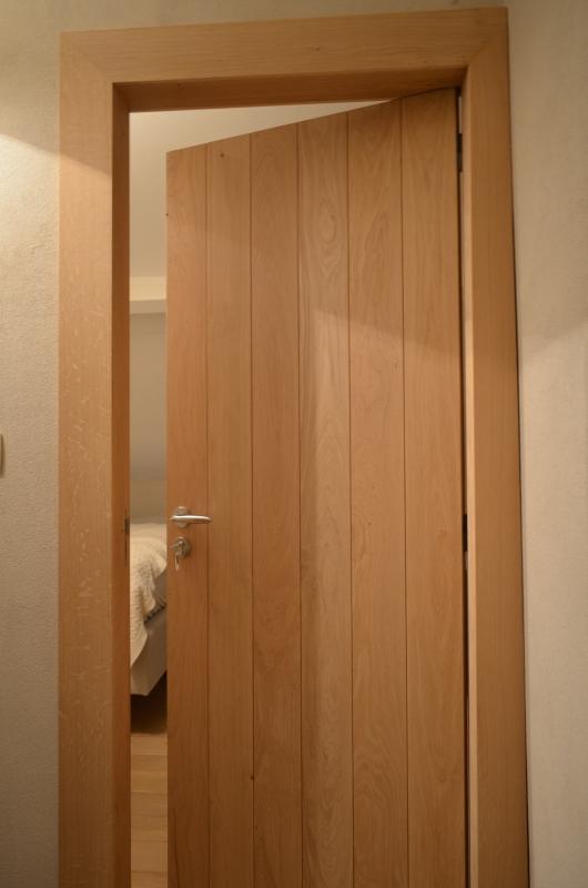 Meubles en bois - Porte placard bois massif ...